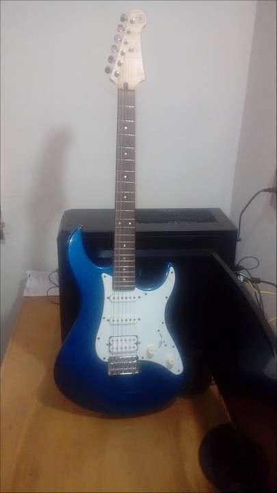 Guitarra Yamaha Pacíficica PAC 012 - 1