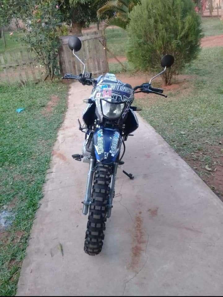 Moto tipo trail Leopard 2015 - 1