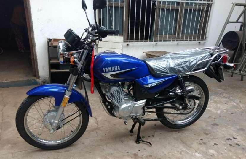 Moto Yamaha yb125 0KM con chapa del Mercosur - 1