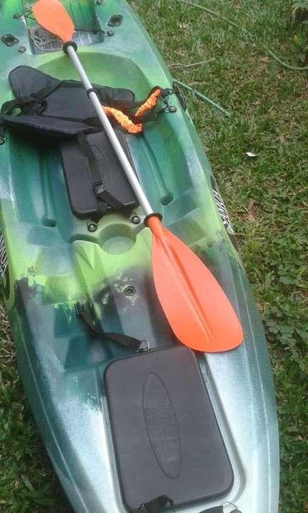 Kayak Samoa Dragger modelo para pesca con pala y asiento - 1