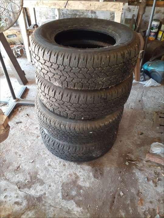 Juego de Cubiertas Bridgestone medidas 265/65/R17 - 0