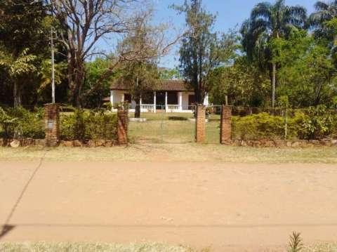 Casa quinta con 6 terrenos en Luque