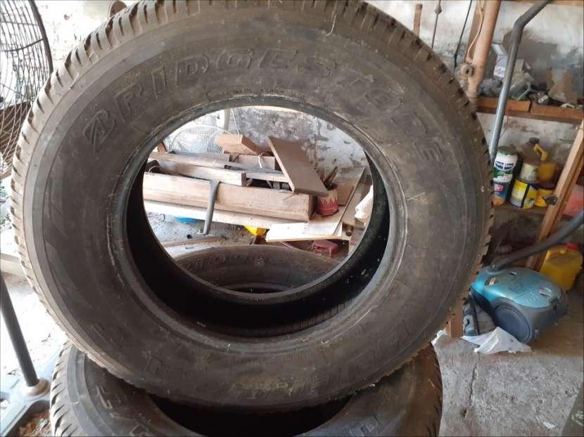 Juego de Cubiertas Bridgestone medidas 265/65/R17 - 2