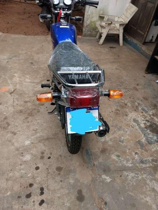 Moto Yamaha yb125 0KM con chapa del Mercosur - 4