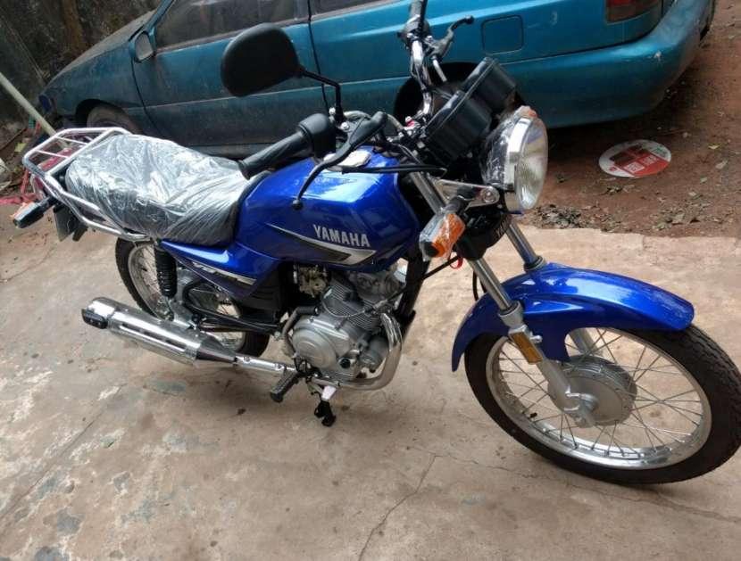 Moto Yamaha yb125 0KM con chapa del Mercosur - 2