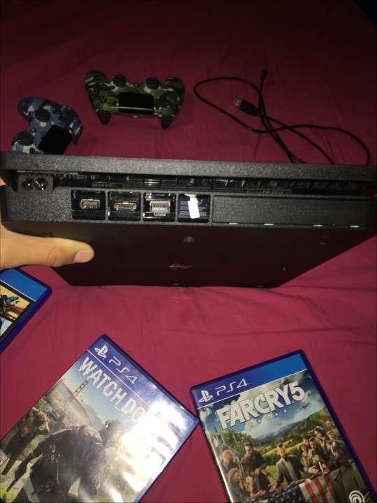 PlayStation 4 Slim de 500 gb - 2
