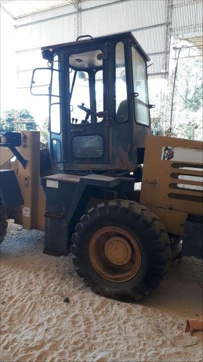Tractor Pala cargadora - 0
