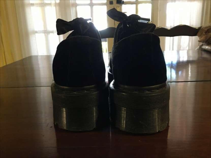 Zapato con plataforma Dr. Martens calce 37 - 5