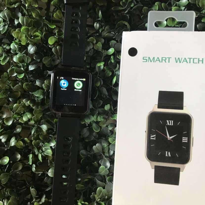 Smartwatch con cámara - 0