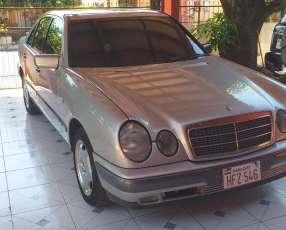 Mercedes Benz E300 Diésel de Cóndor