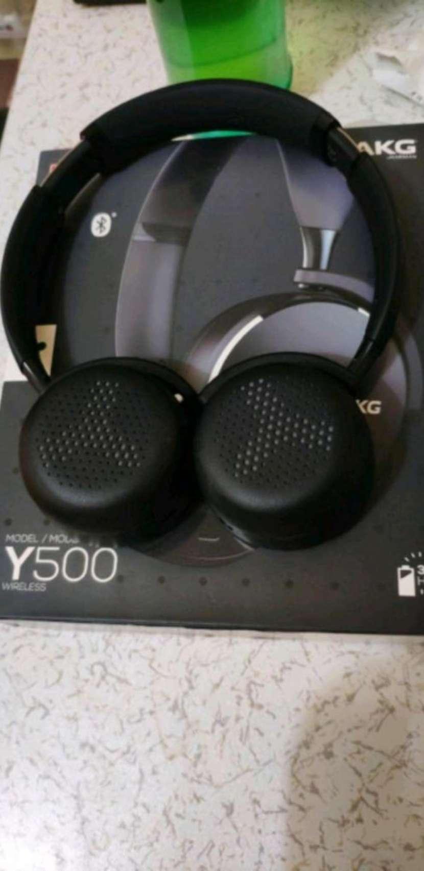 Auricular akg y500 - 1