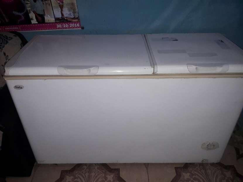 Congelador de 2 puertas y visicooler Fama - 1