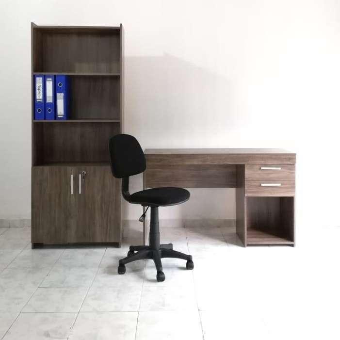 Escritorio armario silla - 0