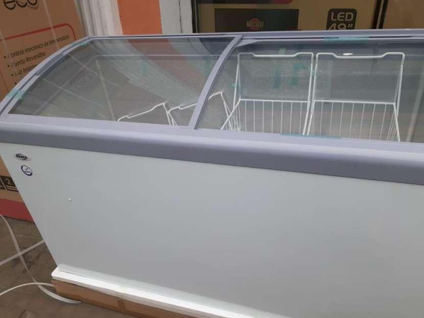 Congelador Fama para helado 370 lts - 1