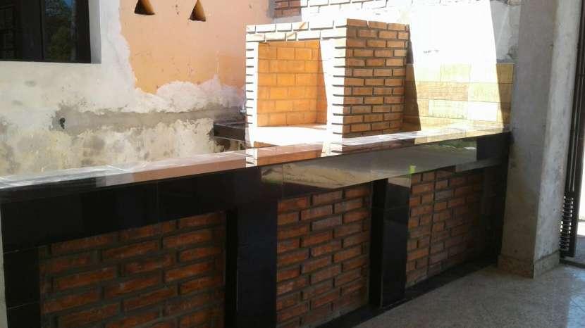 Construcción de casas económicas y quinchos de ladrillo visto - 1