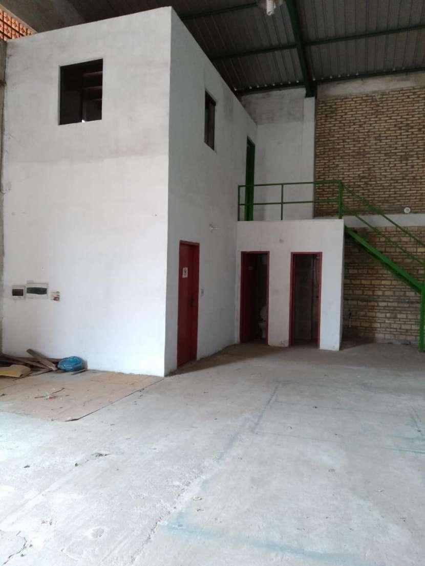Depósito en Villa Elisa - 2