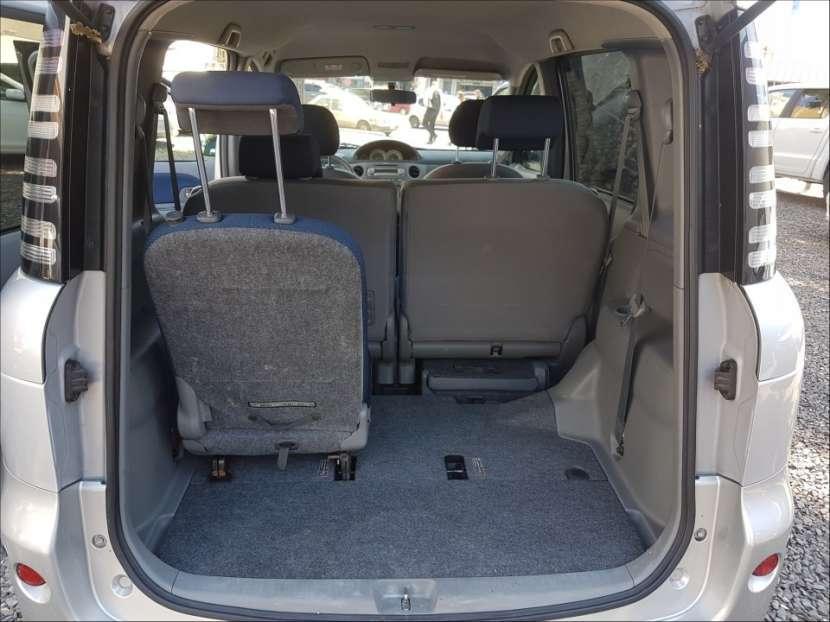 Toyota Sienta 2004 - 7