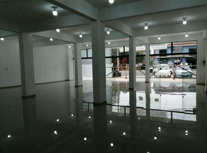 Salón comercial - 4