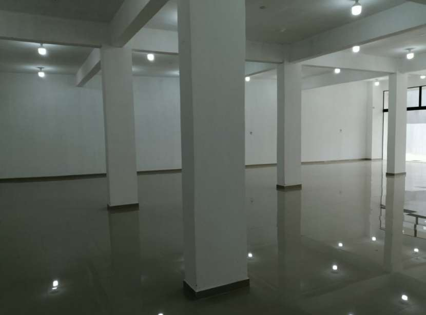 Salón comercial - 5