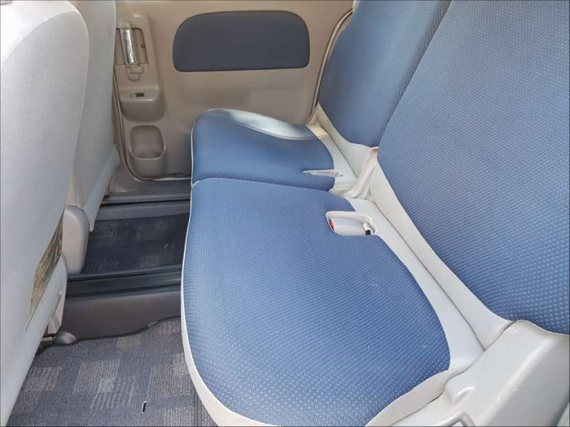 Toyota Sienta 2004 - 4