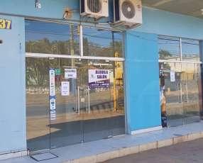 Salón comercial en Luque