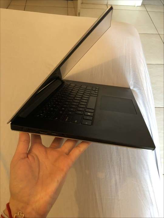 Notebook Dell XPS 9560 - 2