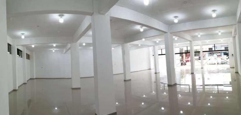 Salón comercial - 7