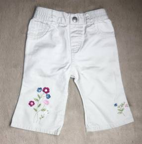 Pantalon Beige con flores bordadas, Little Legends.