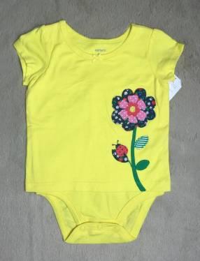 Body amarillo con flor, Carters.
