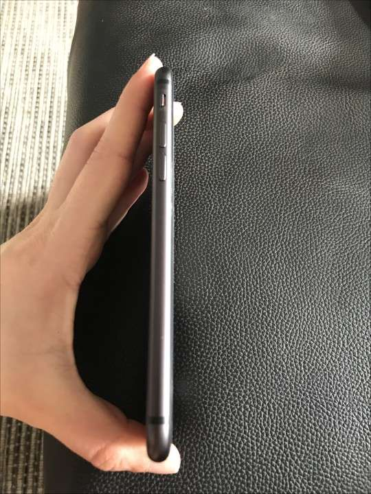 iPhone 8 - 3