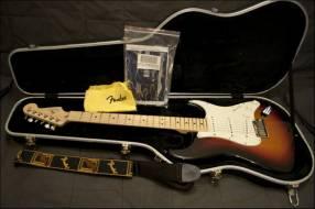 Fender American Deluxe Jazz V 5-String bass 3 Color Sunburs