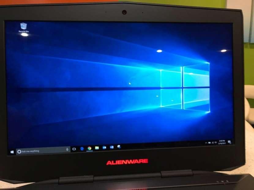 Dell Alienware M18x Intel Core I7 3610QM de 2,3 GHz 8192 MB - 0