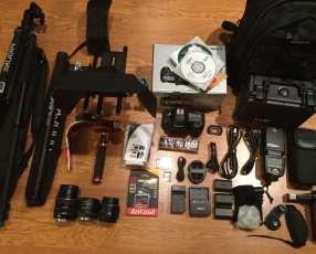 Canon EOS-5D Mark IV DSLR Camera Kit with Canon EF 24-70mm F