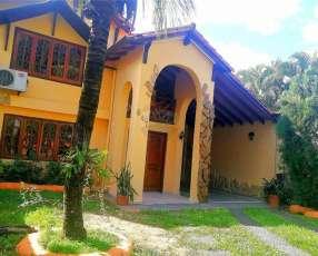 Casa detrás de la Municipalidad de Fernando de la Mora