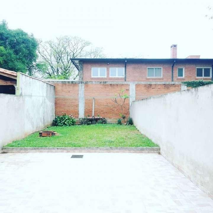 Duplex en Loma Pytá zona Shopping El Portal - 4