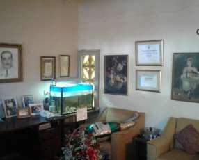 Casa en Lambaré sobre Avda. Augusto Roa Bastos