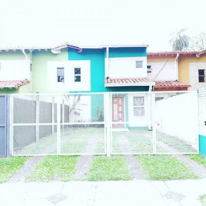 Duplex en Loma Pytá zona Shopping El Portal - 0