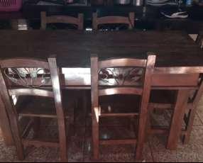 Mesa de madera con 6 sillas impecable