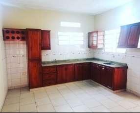 Duplex en Luque barrio Cerrado