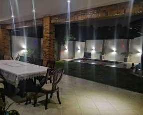 Casa grande amoblada con piscina