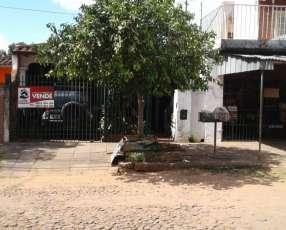 Casa con Salón Comercial en San Lorenzo