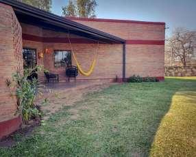 Casa en Limpio Barrio Cerrado Y5327