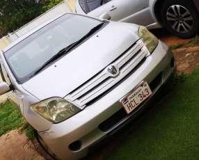 Toyota IST 2003
