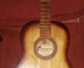 Guitarra clasica sin uso