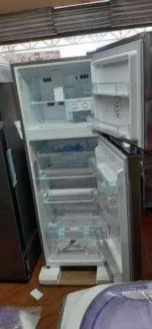 Heladera LG inverter frío seco inoxidable de 340 litros - 1