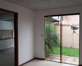 Duplex en Villa Elisa barrio Cerrado Y533