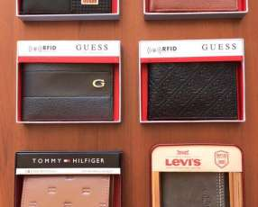 Billeteras guess, Tommy y Levi's original