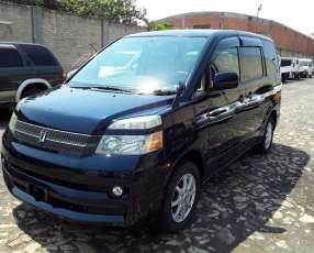 Toyota Voxy 2006 importado