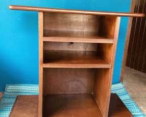 Mueble de madera multiuso