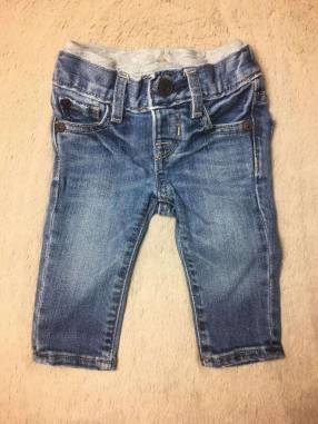 Jeans Baby Gap, 0 a 3 meses